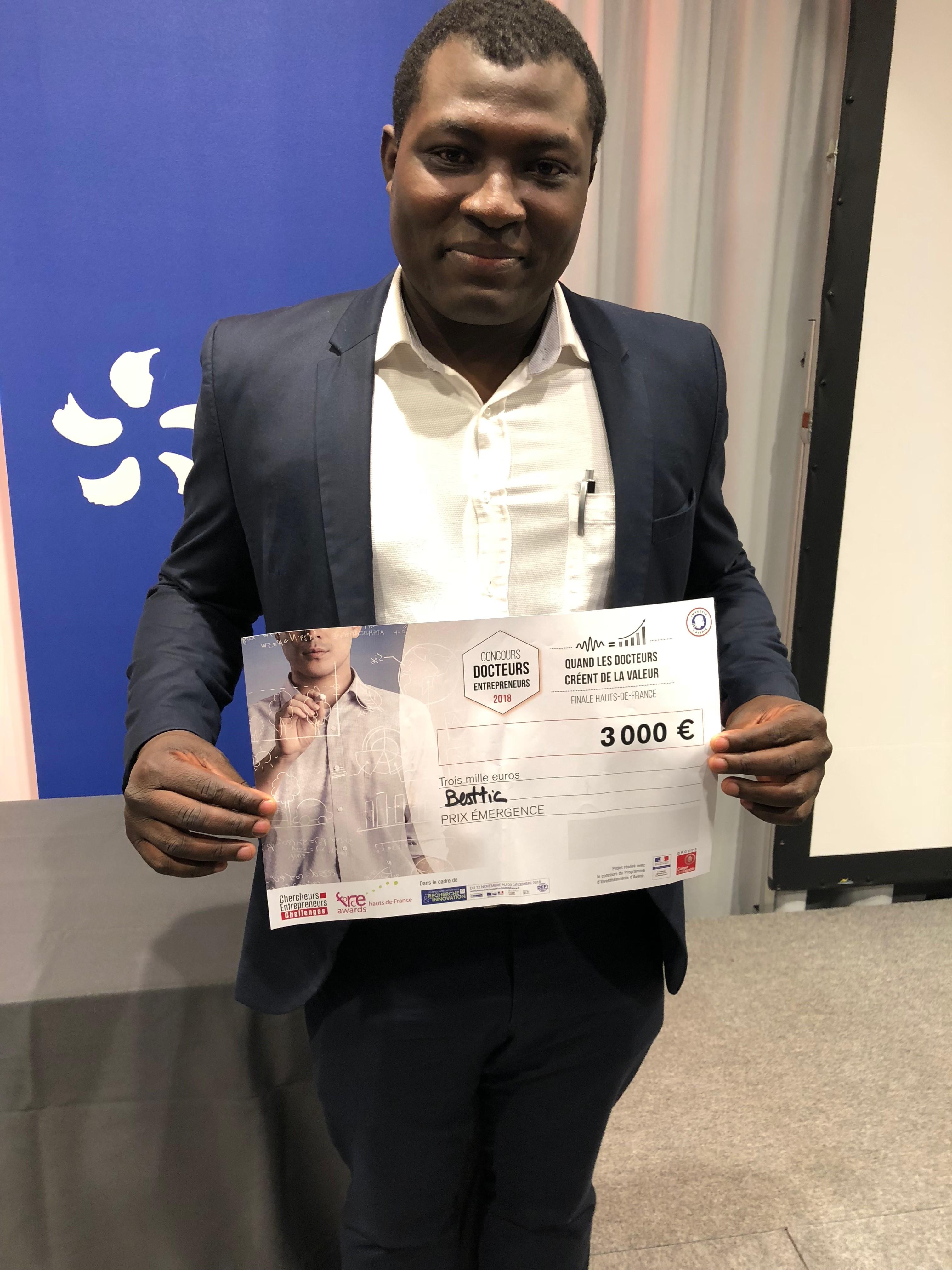 Le Lauréat Ulrich BIAOU du prix Emergence de la région Haut-De-France du challenge Chercheurs-Entrepreneurs 2018.