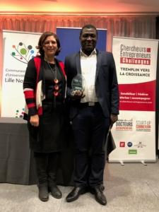 Le Lauréat Mr Ulrich BIAOU avec Mme Atika RIVENQ, Prof à l'IEMN-DOAE