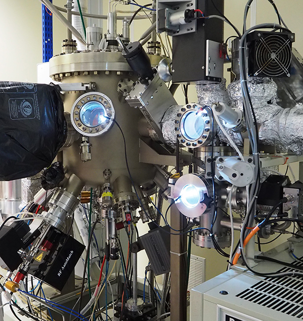 The Riber Compact 21 MBE chamber dedicated to graphene/hBN epitaxy, detailed view of the growth chamber.